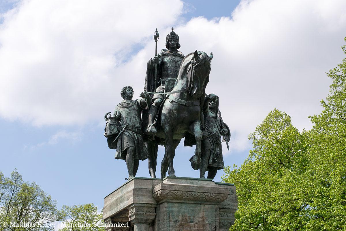 Das Denkmal von Kaiser Ludwig dem Bayern