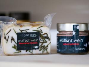 Wollschwein-Spezialitäten vom Genussgut Krispel